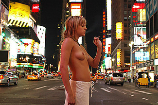 295_times_square_at_night_2