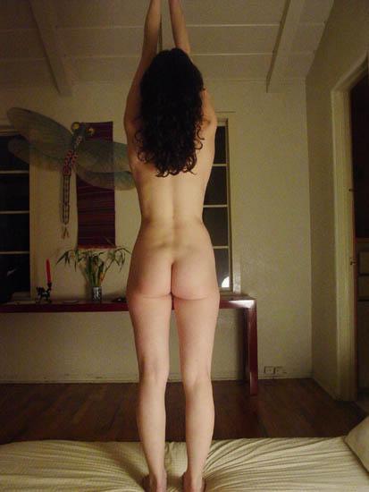 Naked_yoga_3